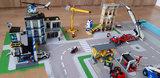 LEGO sets op een speelmat
